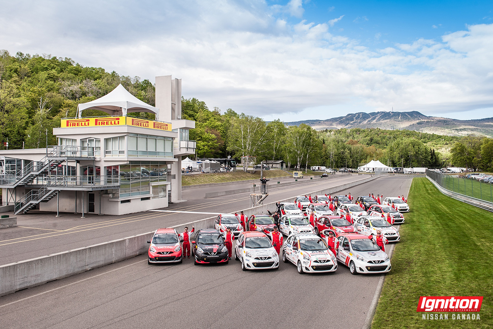 Nissan Micra Cup 2015 drivers group shot16